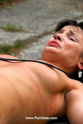 THE RED HOT CLIT AND NIPPLES SHOW MARIAH'S PAIN UNDER THE STRICT SINGLETAIL LASHES!